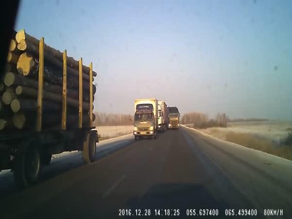 Borec - Neřešitelná situace na silnici
