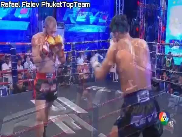 Matrixové vyhnutí při kickboxu
