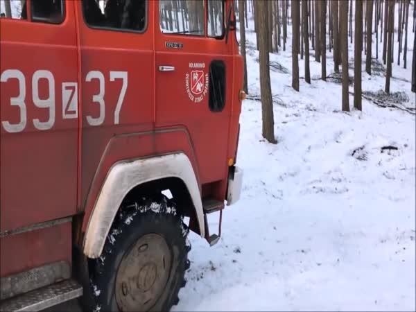 Polští hasiči jedou k zásahu