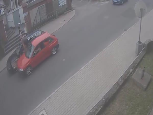 Agresivní řidič dostal, co chtěl