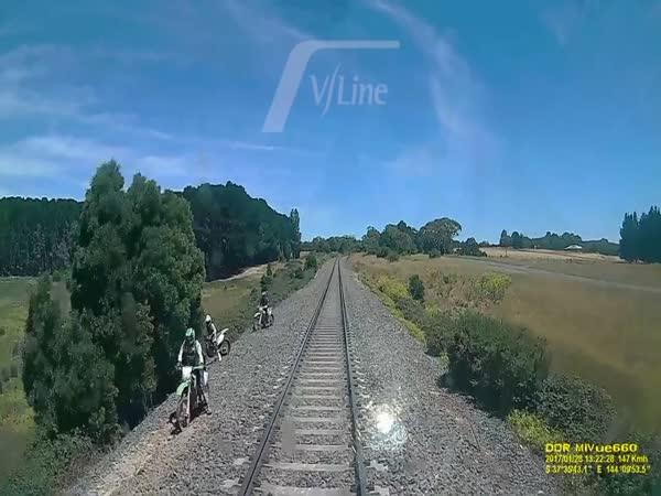 Motocykl vs. vlak