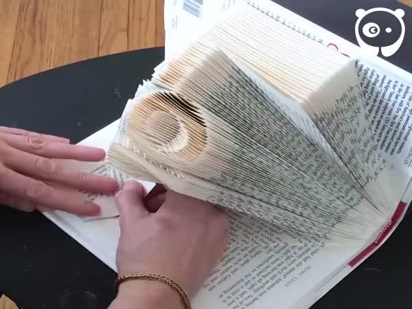Nádherné plastiky z knih