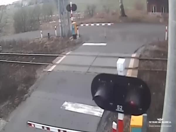 Idiot ignoruje závory