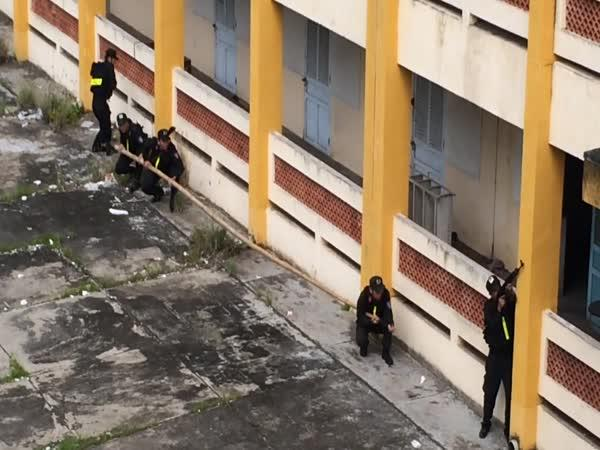Vietnamská policie v akci