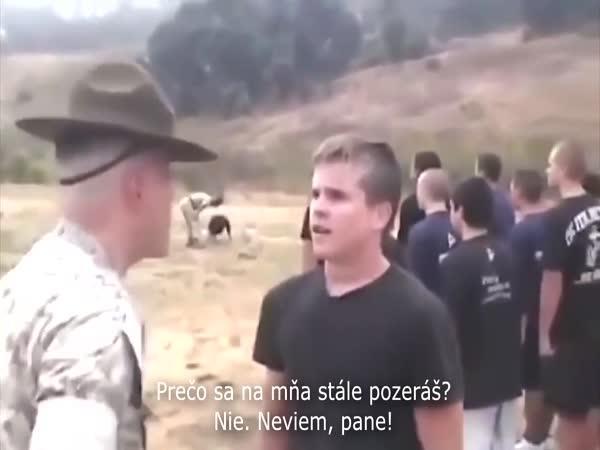 Povely velitele vojáků
