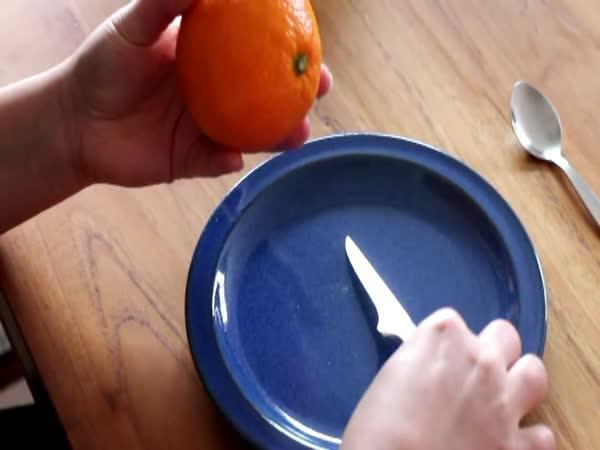 Jak oloupat správně a rychle pomeranč