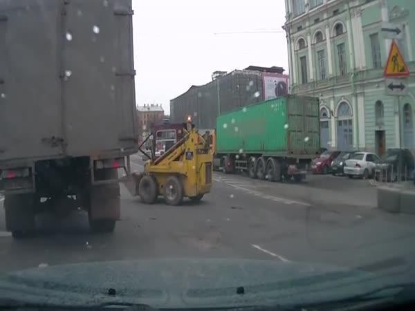 Rusko - Splašený nakladač