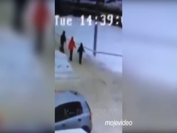 Neštvi svou matku, kterou znáš (Rusko)