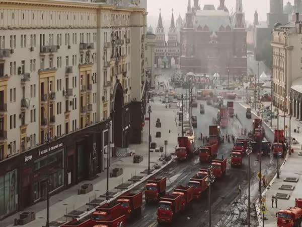 Timelapse - Silničáři v Moskvě