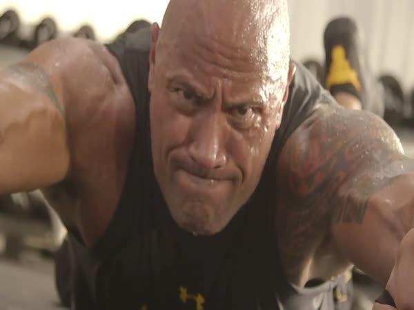 Wrestler Dwayne Johnson a jeho trénink