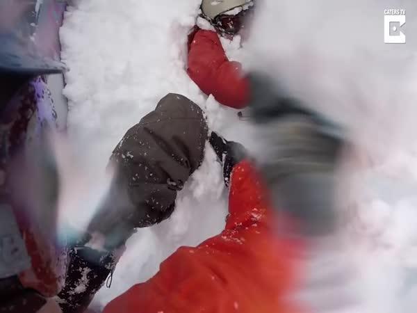 Záchrana snowboardisty