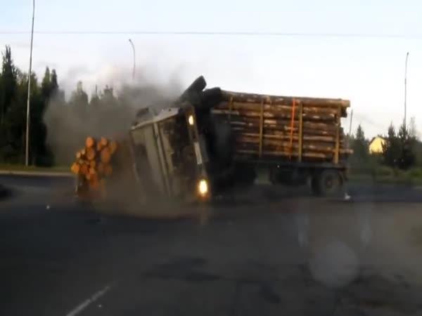 Šílené nehody kamionů