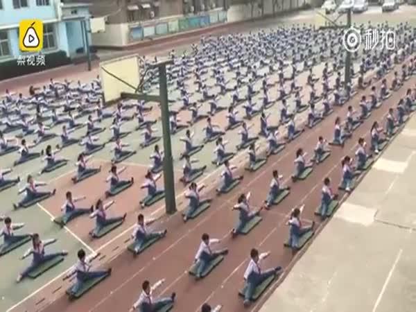 Čína – Hodina tělesné výchovy