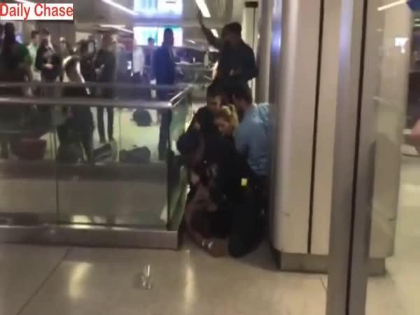 Panika na letišti v New Yorku