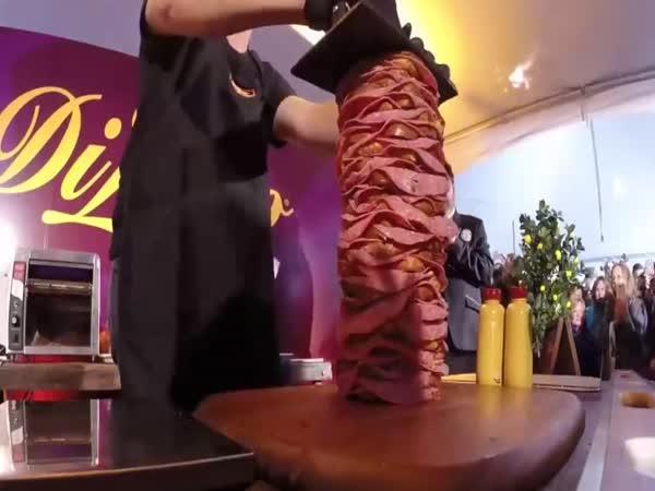 Toto je nejvyšší sendvič na světě