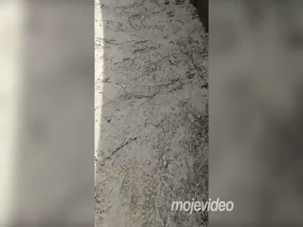Místo schodů skluzavka
