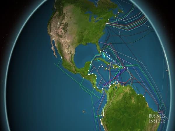 Síť optických kabelů pod mořem