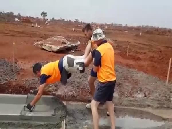Profíci dělají betonové krajnice
