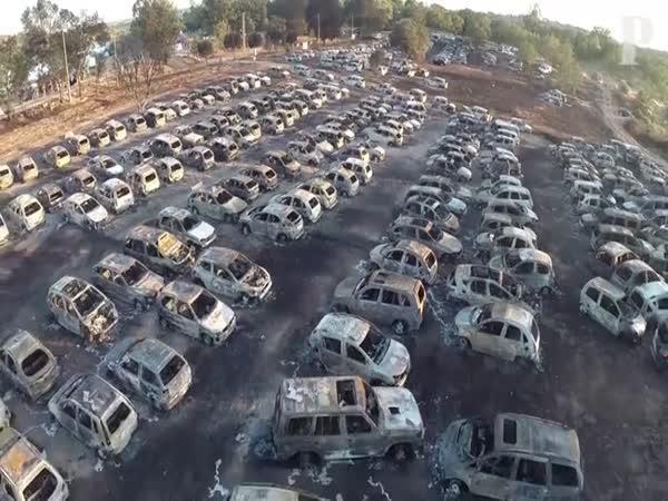 Na parkovišti shořelo 422 aut