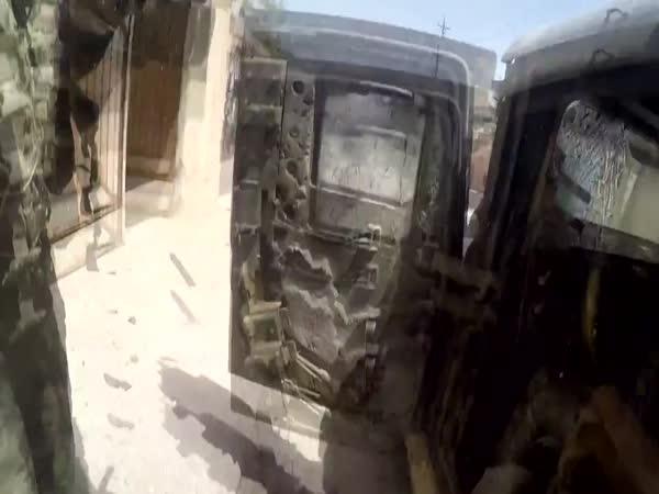 Sniper zničil novináři GoPro kameru