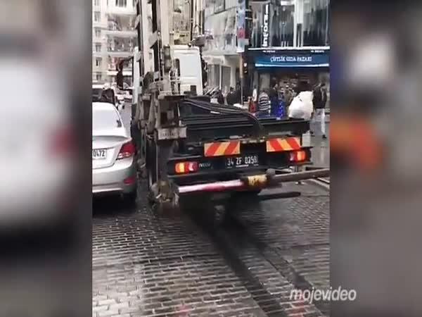 V Turecku vám odtáhnou auto raz dva