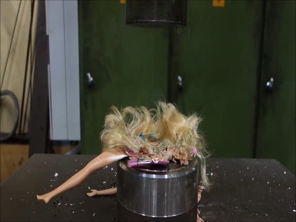 Hydraulický lis – barbie