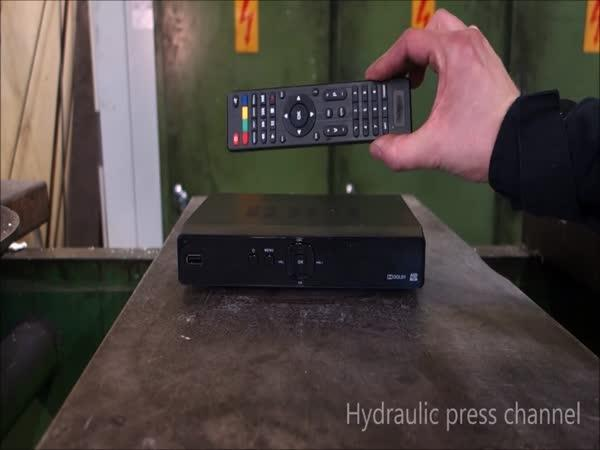 Hydraulický lis vs. cable box