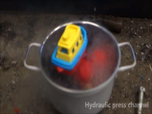 Hydraulický lis vs. nízké teploty