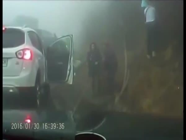 Hromadná nehoda 70 aut