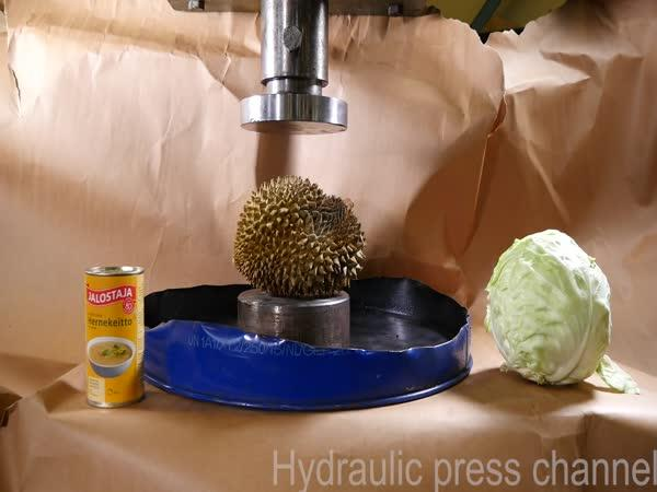 Hydraulický lis vs. durian
