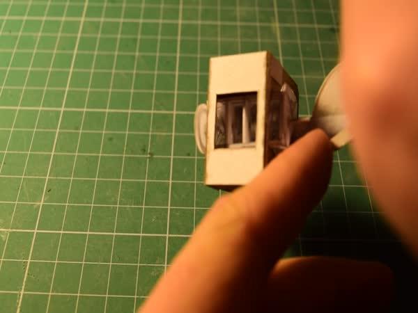 Model V8 motoru z papíru