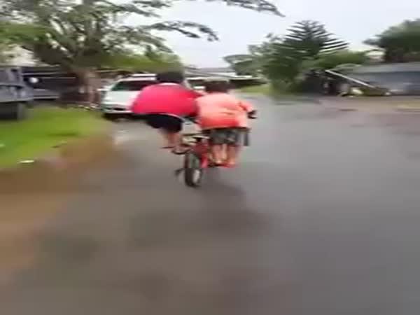 Jak se jezdí ve 2 na 1 kole