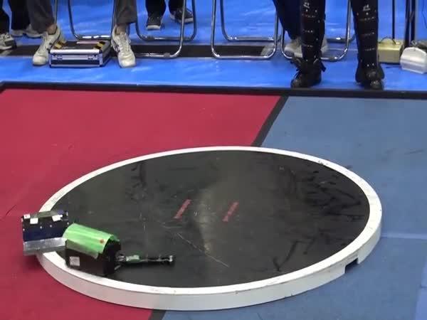 Souboje japonských sumo minirobotů