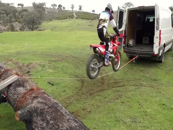 Jak naložit motorku do dodávky