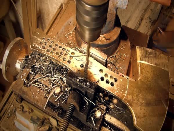 Řemeslná výroba sekery