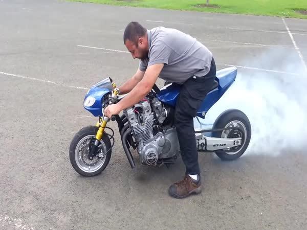 Minibike s motorem 1000 ccm