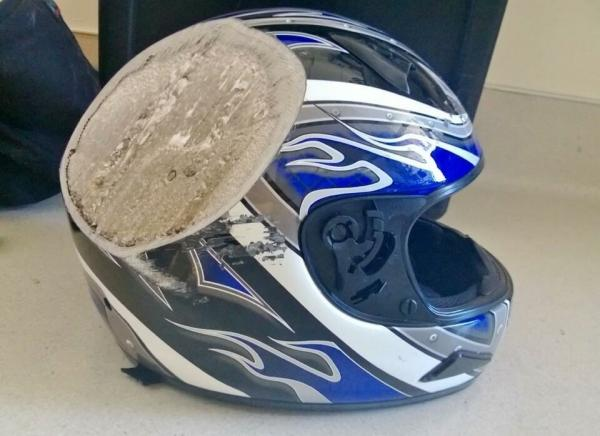 GALERIE - 15 důvodů proč nosit helmu