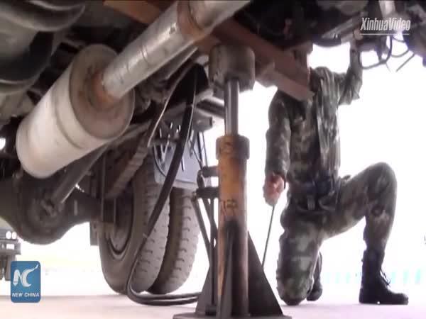 Jak se otáčí vojenský konvoj