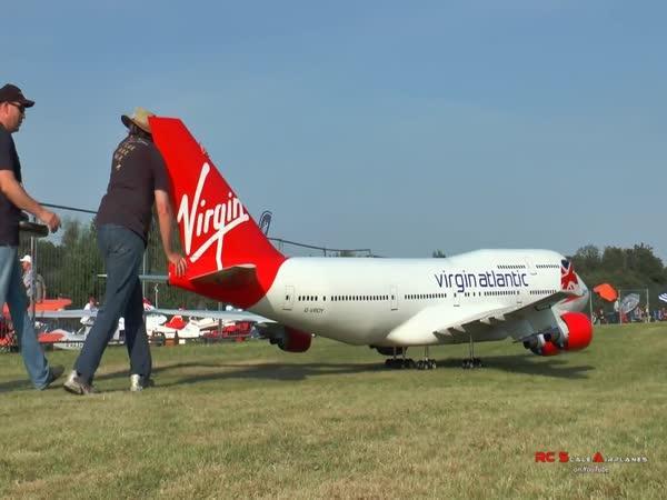 RC Model – Boeing 747-400
