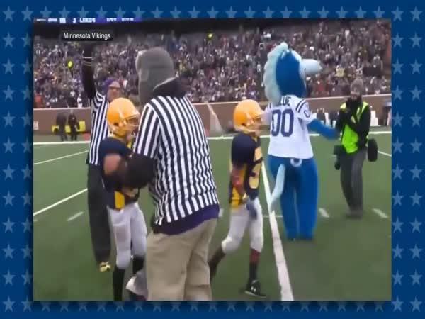 Americký fotbal – Maskoti vs. děti