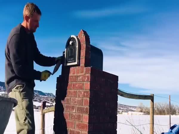 Stavba schránky na dopisy