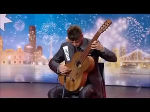 Šikovný kytarista