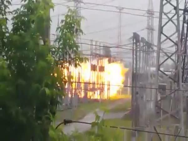 Rusko – Výbuch za okny