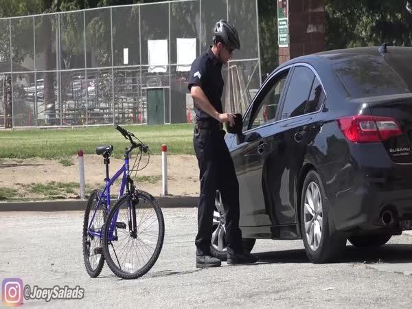 Polda na kole zatkl drogového dealera