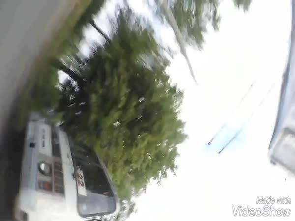Blbec - Předjíždění na motorce