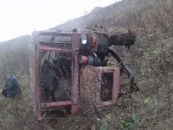 Rusko – Nehoda traktoru