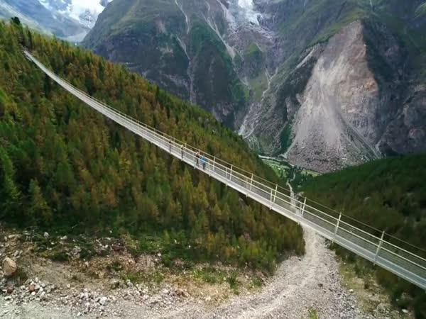 Nejdelší pěší most na světě