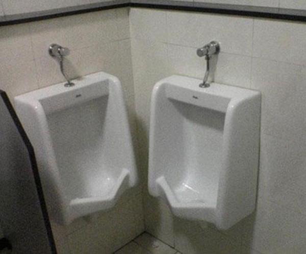 GALERIE - Záchody, na které nechcete zavítat