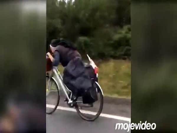 Cyklojeptiška na cestách