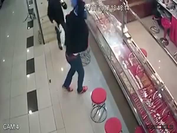 Nepovedená loupež v Malajsii #58